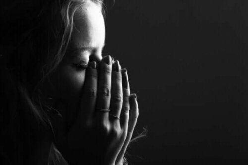 En gråtande kvinna