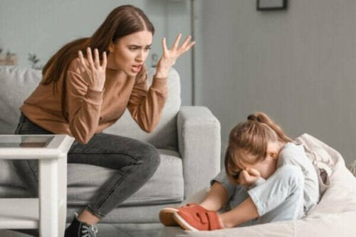 Föräldrar som tappar tålamodet med sina barn