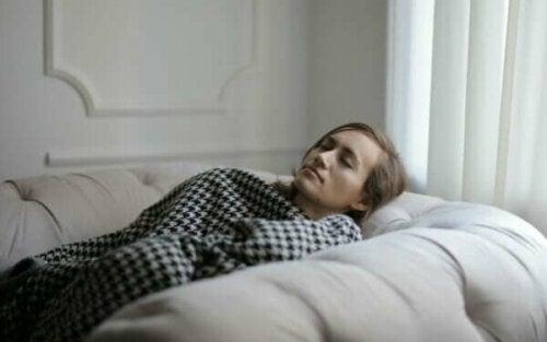 Möjliga orsaker till överdriven sömnighet