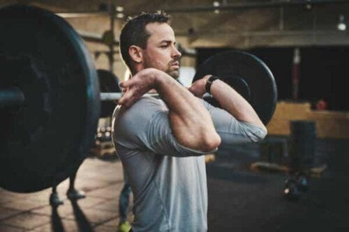 En man på gymmet