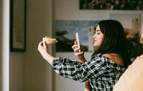 Extimitet i sociala medier: då det intima blir offentligt