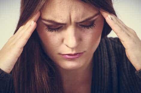 Huvudvärk är ett av många symtom av förväntansångest