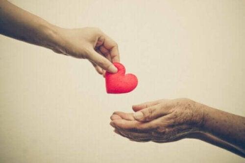Prosocialt beteende: Hjälper du andra utifrån empati eller oro?