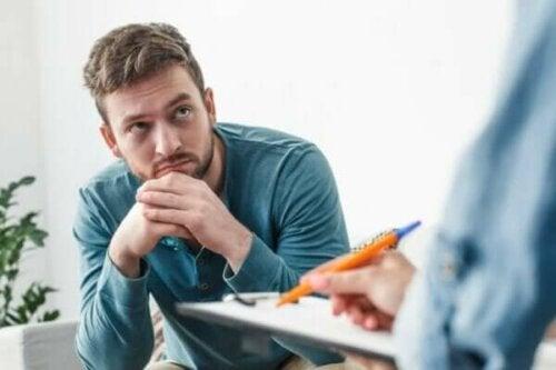 Svårigheten i att fatta beslutet att gå till en psykolog