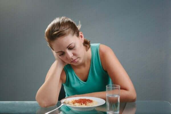 Att drabbas av aptitlöshet: vad beror det på?