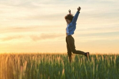 Vid vilken ålder är människor vanligtvis som lyckligast?