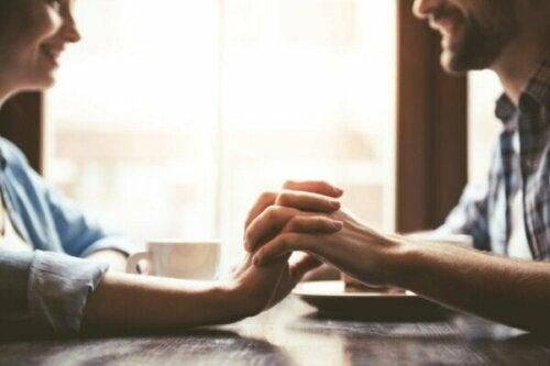 Är kärlekslöften framtidssäkrade eller bara illusoriska?