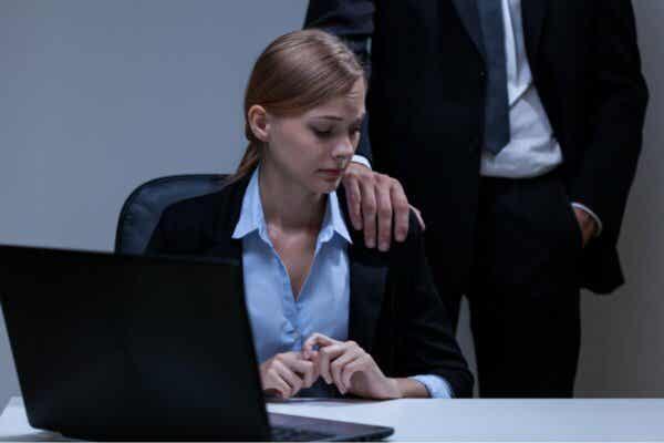 Det är viktigt att inte tiga om man utsätts för sexuella trakasserier på arbetsplatsen