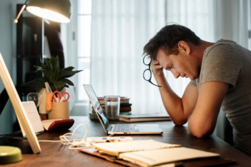 Lön och psykisk hälsa: Den psykologiska kostnaden för osäkerhet