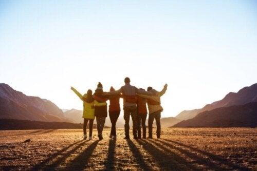 Att tillhöra en social grupp förbättrar din hälsa och lycka